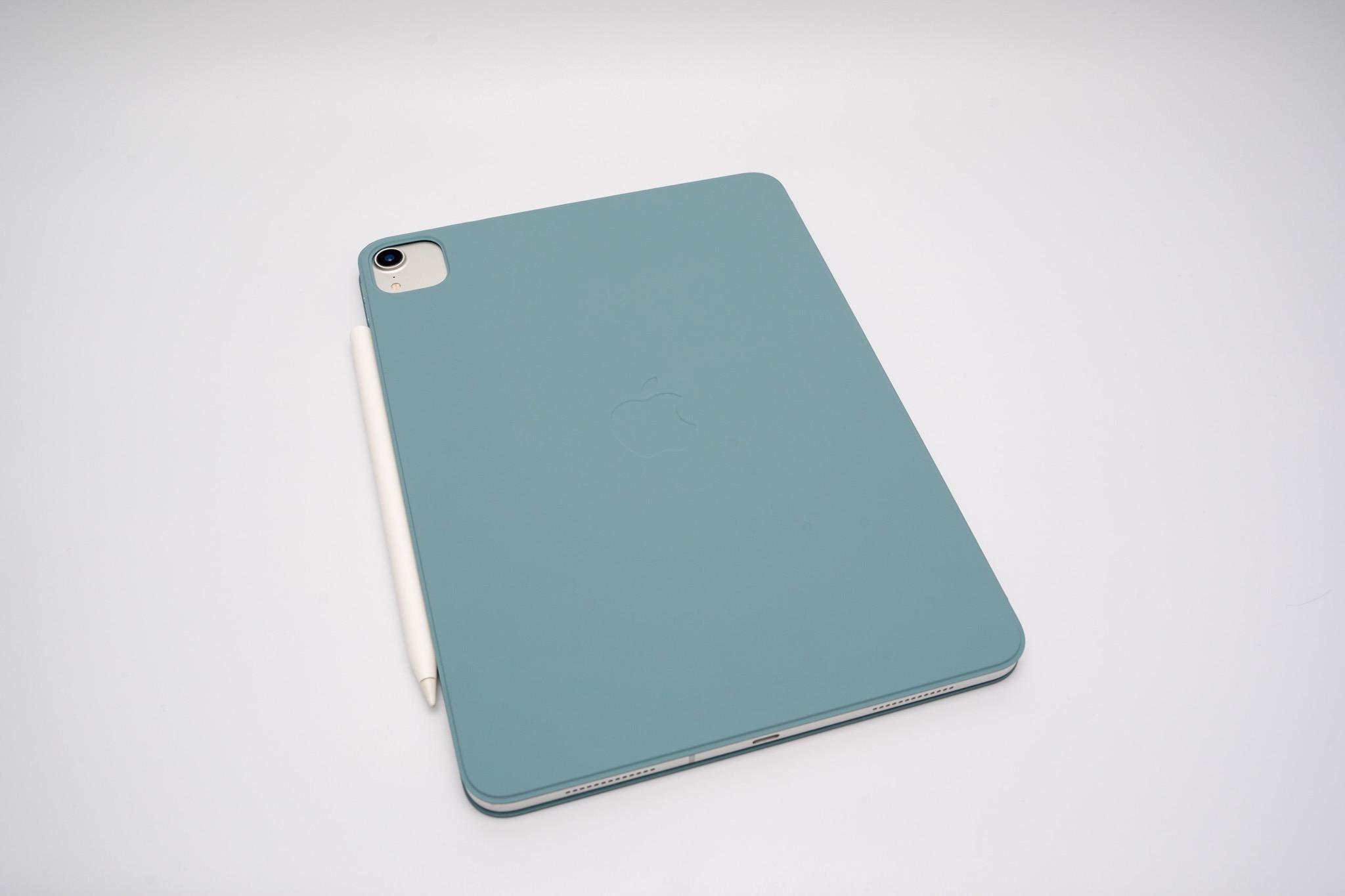 iPad Proをタブレットとして持ち運ぶなら軽くて薄い純正Smart Folioがオススメ